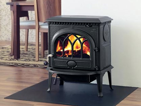 Jotul F 3 wood burning stove
